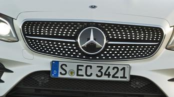 Óriási bírságot lengettek be a Daimlernek