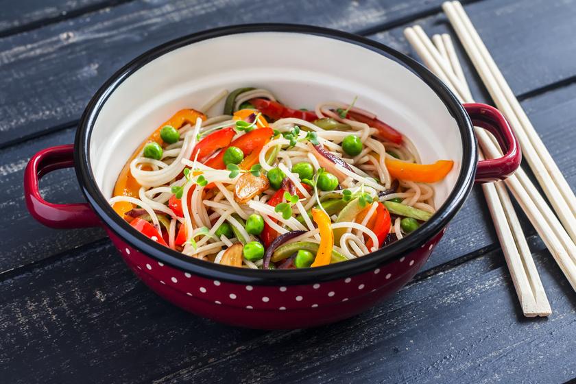 Ínycsiklandó, gluténmentes, zöldséges rizstészta - Fantasztikus, húsmentes fogás