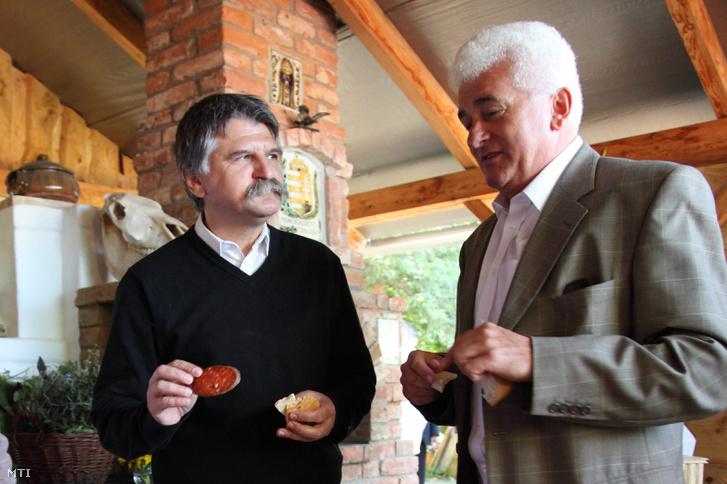 Kövér László, az Országgyűlés elnöke (b) és Göncz László szlovéniai parlamenti képviselő