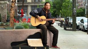 Tom Jones fia hajléktalan