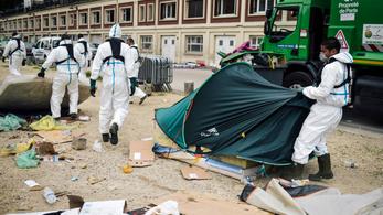 Illlegális menekülttáborokat számolnak fel Párizsban