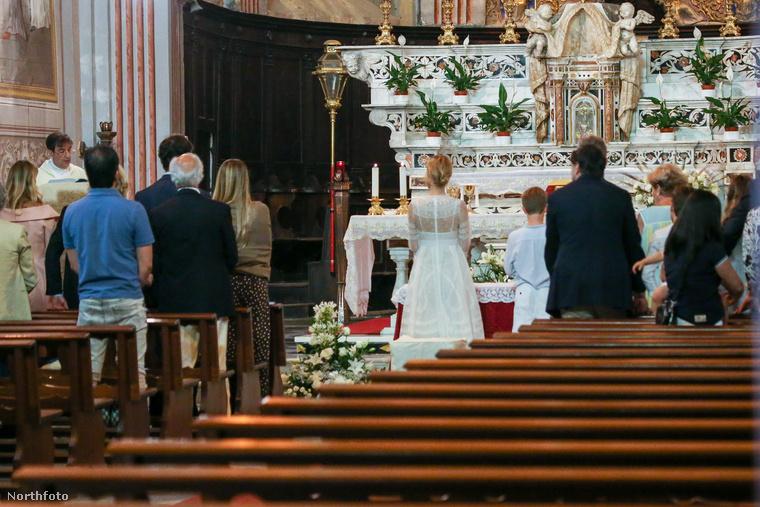 A ceremónia Ligúriában volt, amit az olasz riviérának is szokás nevezni, a Torinó-Milánó körzet lakosai jó részének ez a legközelebbi tengerpart.