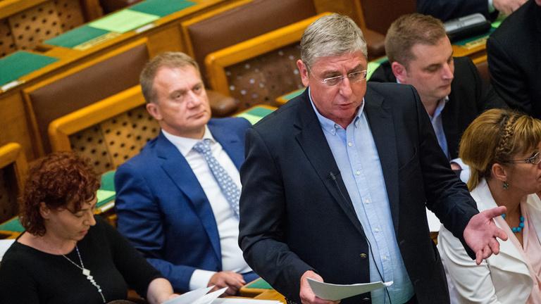 Gyurcsány nem kért Orbán háborújából, de megkapta Németh Szilárdot
