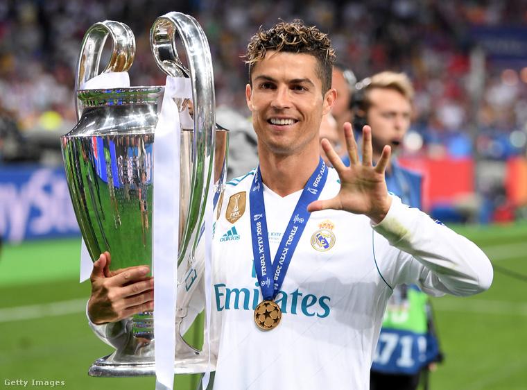 Kilencedik és tizedik tény:Egyrészt Ronaldo fiatalabb korában még nem adta ilyen sikeresen a kigyúrt macsó figuráját, másrészt erről készítettünk is régebben egy elég szórakoztató posztot, amit itt lehet megtekinteni.