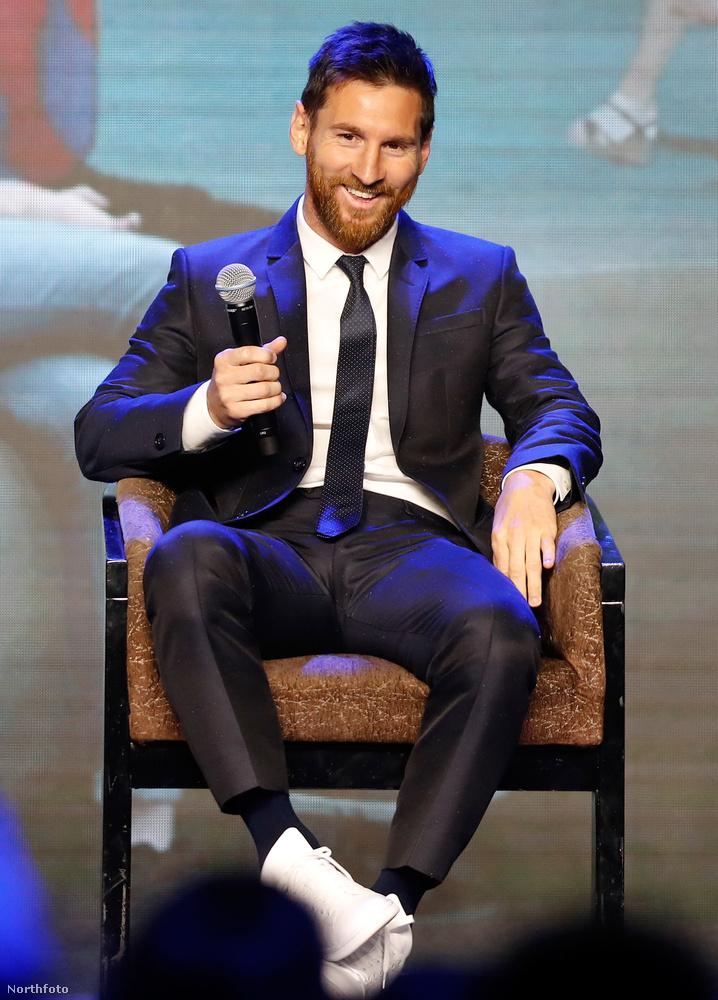Első és második tény: Egyrészt: Lionel Messi édesapja félig olasz, félig spanyol származású