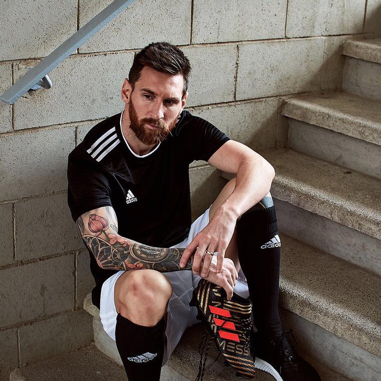 Harmadik tény:Ezeket összevetve tehát az jön ki, hogy Messi, bár argentin nemzetiségű, génjeiben 75%-ig olasz.