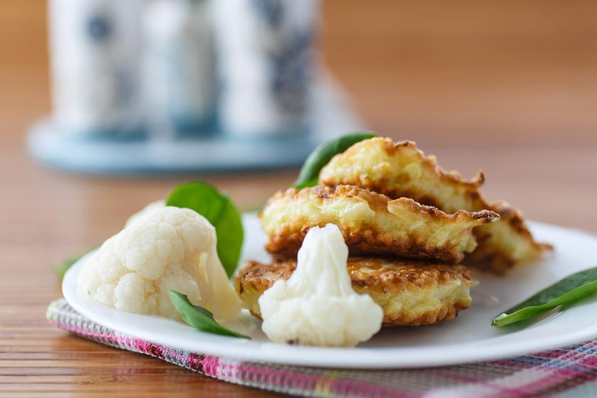Könnyű és gyors karfiolpogácsa: akár köretként is tálalhatod