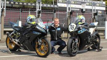 Újabb versenyző vesztette életét a leghalálosabb motorversenyen