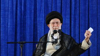 Irán elkezdi növelni az urándúsító kapacitását