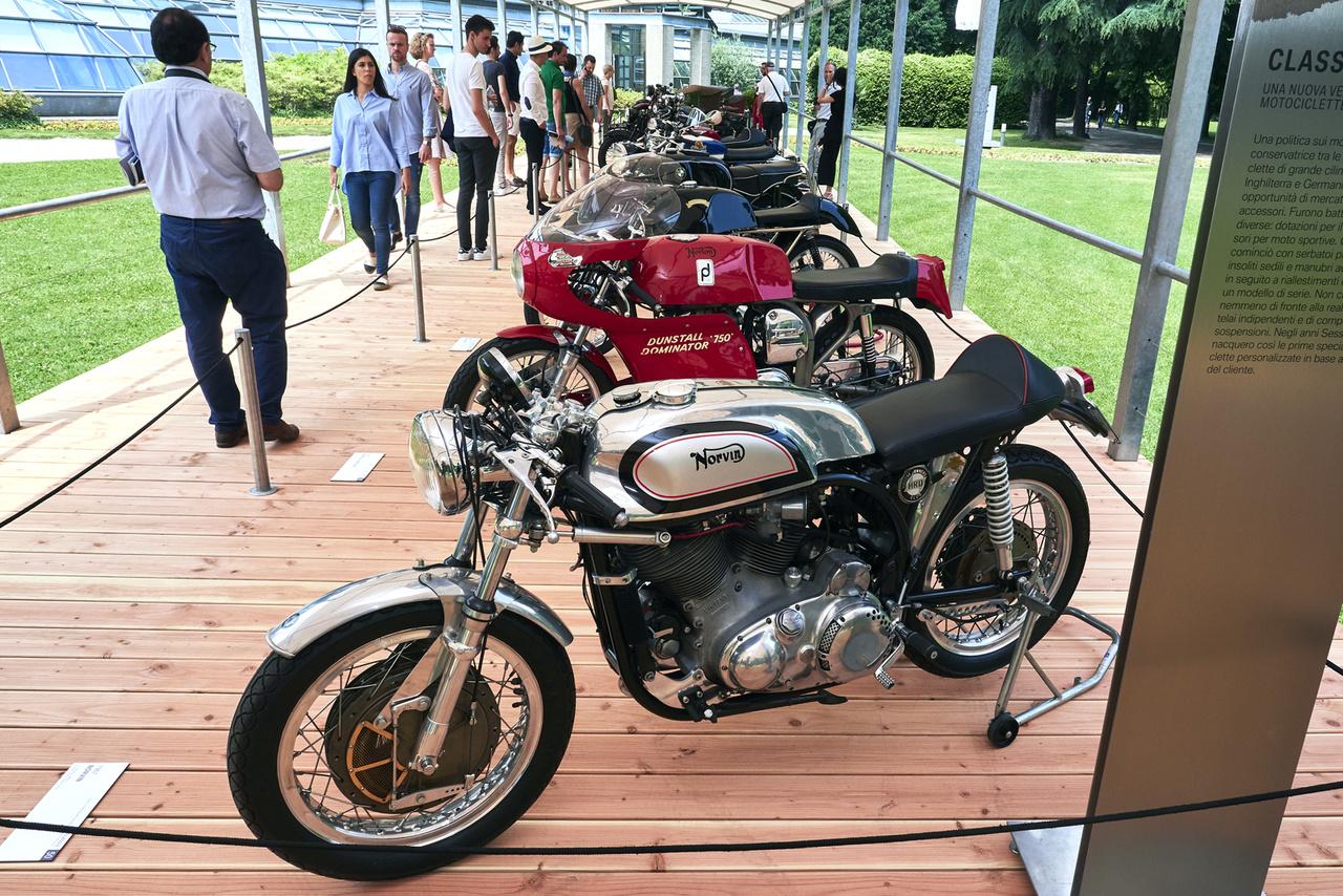 Norvin, 1967. Még mindig az átöltöztetett gépek. A legendás Vincent HRD nyomán jó pár egyedi gépet építettek, modernebb futóművel, ez itt a kategória ezüstérmére volt jó