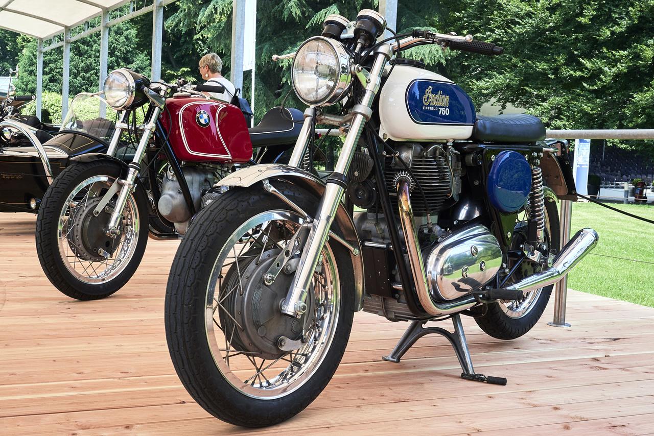 """Indian Clymer Italjet Enfield, 1969. Ez szép, három ismert márkanév egyben! Az amerikai Floyd Clymer igyekezett feltámasztani az Indian márkát, különböző európai partnerek segítségével legóztak össze néhány prototípust. Ez gép megnyerte a """"Német és angol motorok új ruhában"""" kategóriát"""