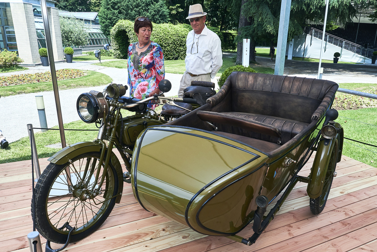 Borgo-Reading, 1920. Még sosem hallottam ilyen motorról, a közönség is hümmögött rendesen. A cég Torinóban működött 1899-től az 1920-as évek végéig. Német, amerikai és saját fejlesztésű blokkokat építettek motorjaikba. Második lett