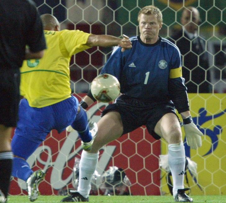 Ronaldo és Oliver Kahn a döntőben.