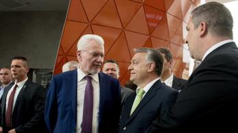Leváltják a magyar tudomány jó királyát