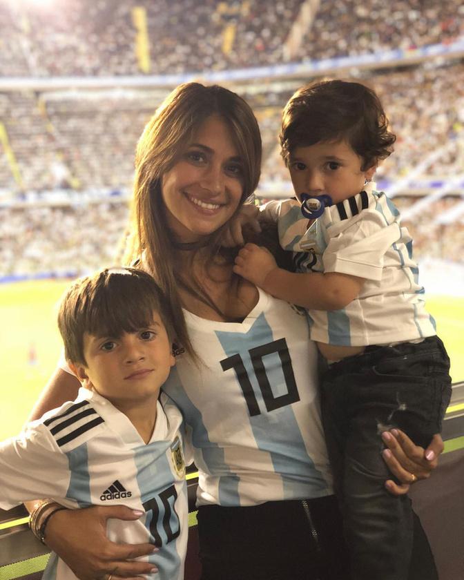 ...2015-ben jött világra második fiuk, Mateo...