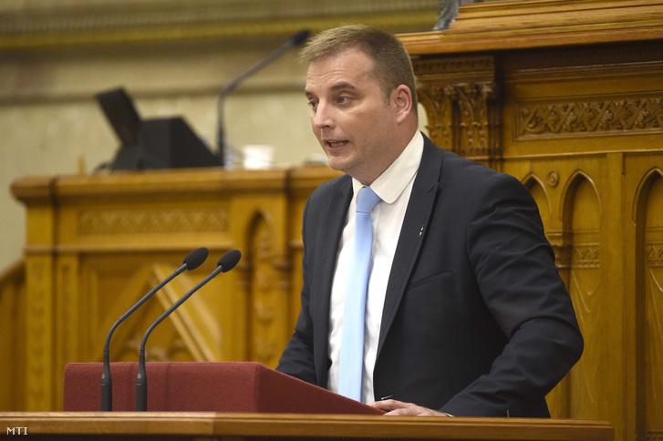 Harangozó Tamás az MSZP frakcióvezetõ-helyettese