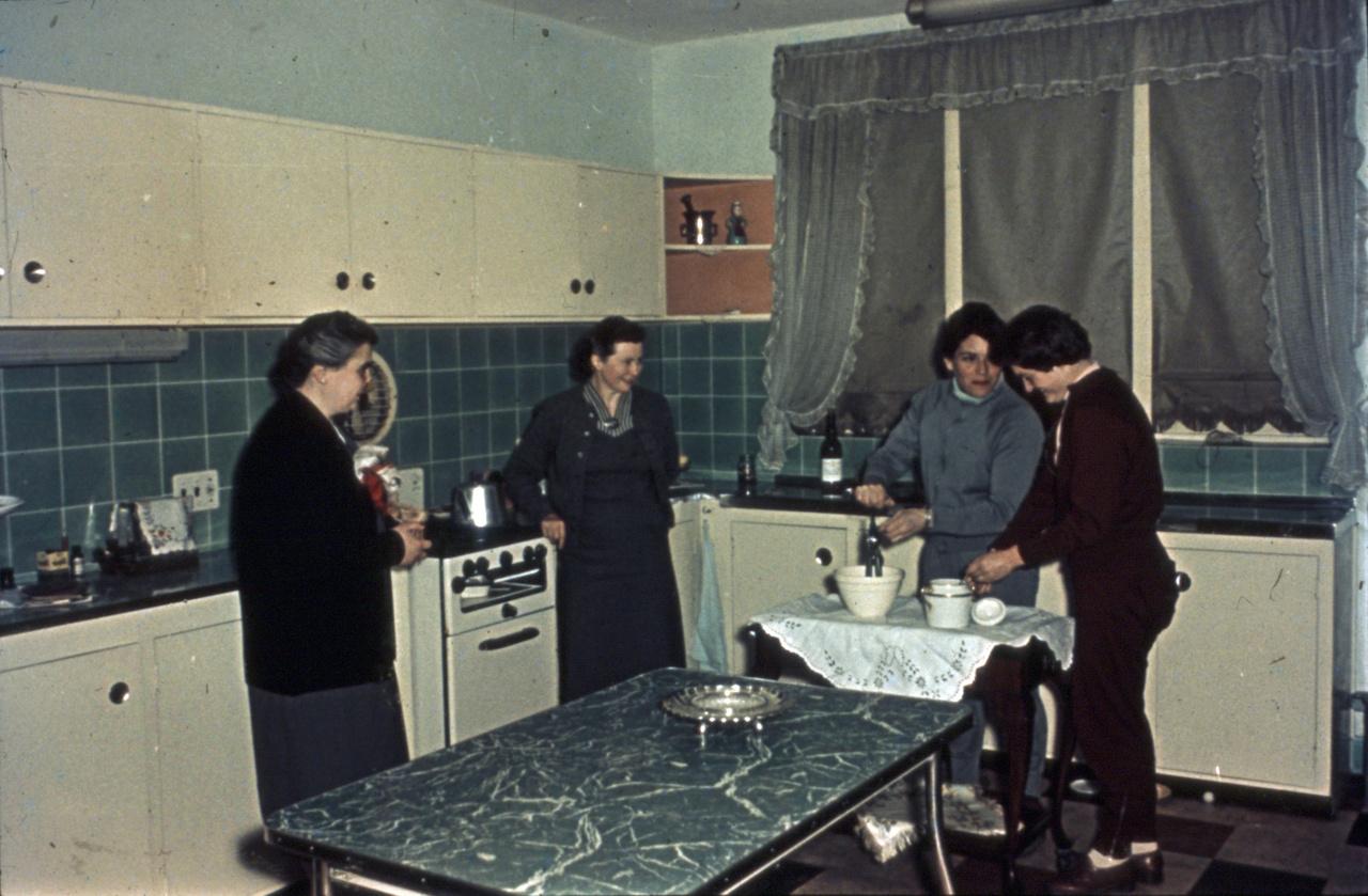 Az olimpiai falu konyhájában