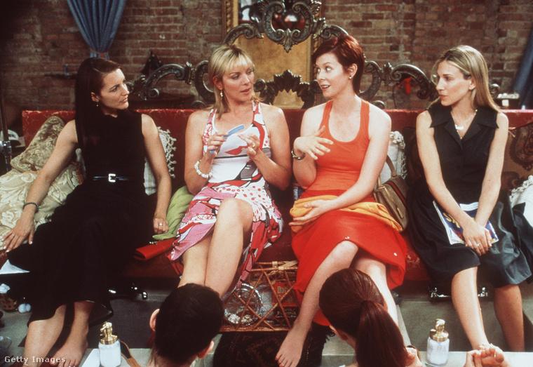 A négy amerikai barátnő, Carrie, Charlotte, Miranda és Samantha életét bemutató sorozat 6 évada alatt összesen 7 Emmy-díjat nyert