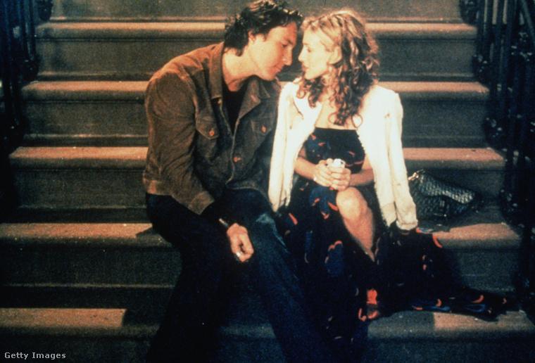 Carrie Bradshaw másik nagy szerelme Aidan  volt, egyedül vele költözött össze