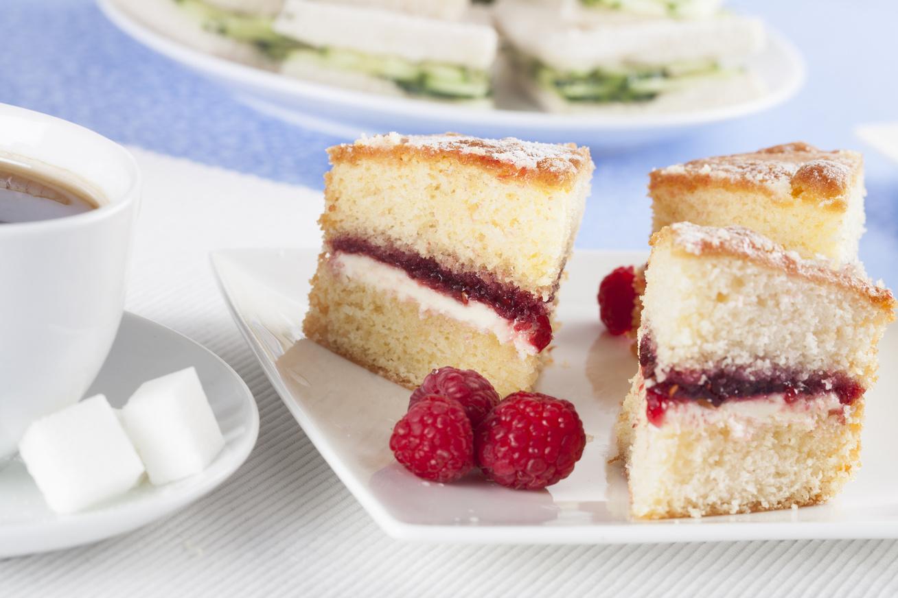 Nyárias, málnás, krémes piskóta - Bármelyik tortával felveszi a versenyt