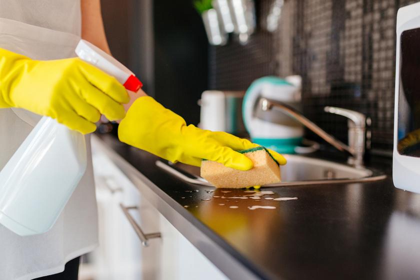 Azonnal baktériumtanya lesz a lakás: 4 házimunka, amit tilos halogatni