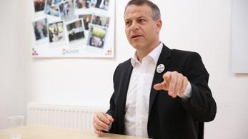 Juhász: Orbánék ugyanazokat az eszközöket használják, mint az olasz maffia