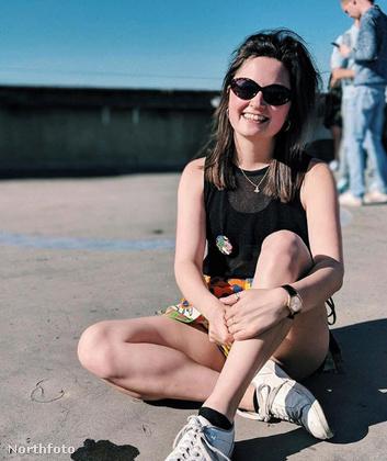 Az ő neve Lydia Hunt, és formatervezést tanul a londoni Goldsmiths egyetemen