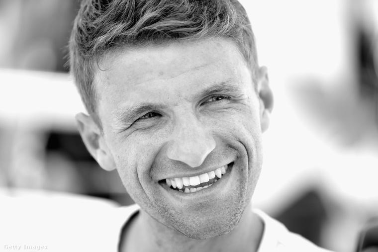Köszönjük Thomas Müllernek, és ha van kedve még tovább nézegetni német focistákat, ajánljuk például Kevin Trappot vagy Loris Kariust!