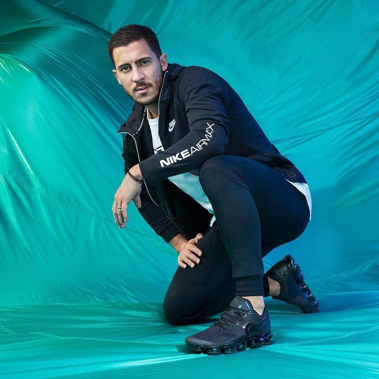 Első tényBár az, hogy Eden Hazard, úgy hangzik, mint egy pornós neve, igazából egy 27 éves, belga focistát hívnak így, aki most a vébén értelemszerűen a belga csapatban játszik