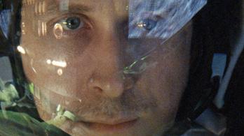 Fess űrhajós lett Ryan Goslingból