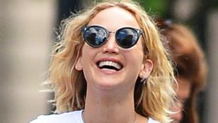 Nézzék, milyen boldog Jennifer Lawrence, az Isten szerelmére!