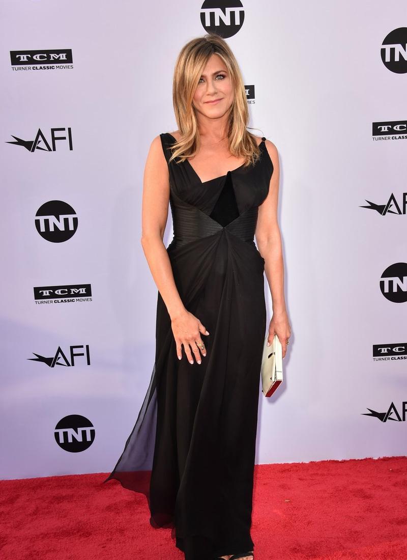 Egyszerre volt elegáns és dögös - Jennifer Aniston ruháját mindenki imádta.