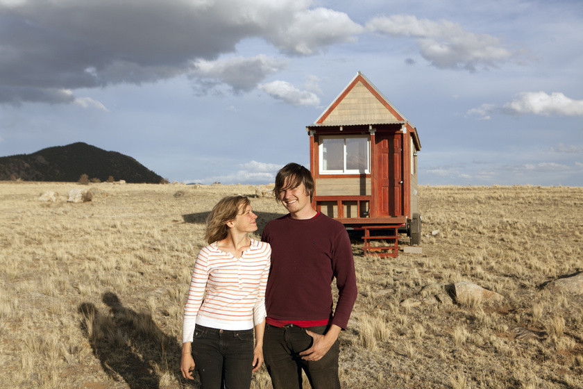 12 négyzetméteres házikót épített a pár: nem is tűnik olyan picinek belülről