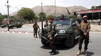 Így ünnepel egy igazi tálib: három napig csak külföldire lő