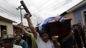Már 135 halálos áldozata van a nicaraguai zavargásoknak