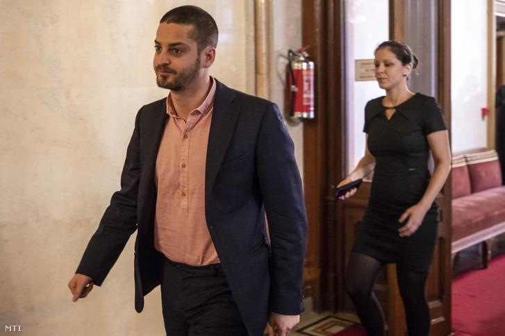 Ungár Péter és Szél Bernadett megérkezik az Országgyűlés alakuló ülését előkészítő tárgyalásra 2018. április 25-én.