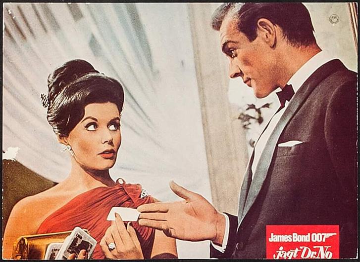 Eunice Gayson és Sean Connery a Dr. No egyik jelenetében
