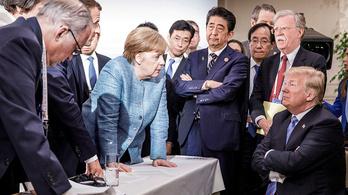 Egy jelenet, négy párhuzamos valóság négy elnöki fotós képein