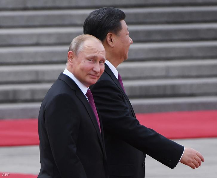 Putyin június 8-án a kínai elnökkel találkozott.