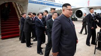 Kim Dzsongun már megérkezett Szingapúrba