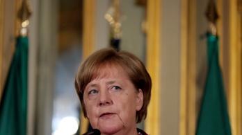 Merkel megvédte a magyar kerítést