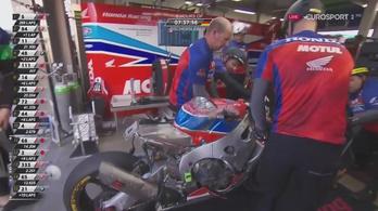 12 perc alatt, verseny közben építették újjá a motort