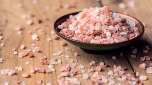 Rózsaszín, sós víz az új csodaszer?