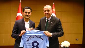 Gündogan elsírta magát az öltözőben, padlón van