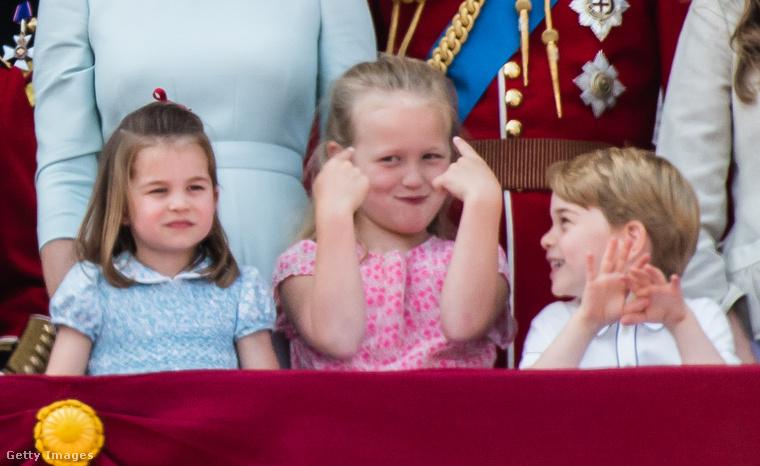 Ezzel szemben a húga ismét bebizonyította, hogy mennyire megy neki a rojálkodás és hercegnői méltósággal figyelte az eseményeket.