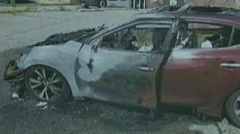 Totálkáros lett egy autó egy felrobbanó Samsung telefon miatt