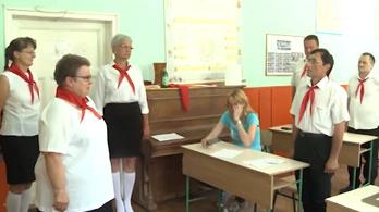 Nem lehet könnyek nélkül kibírni a nyugdíjba vonuló tanárnő búcsúztatását