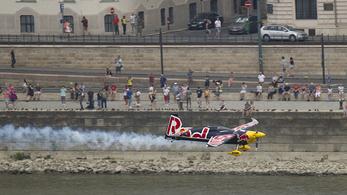 13 millióért viheti hetekre a rakpartot a Red Bull Air Race
