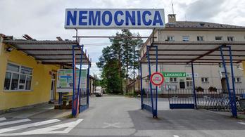 Egy autóban hagyott két és fél éves kisgyerek halt meg Szlovákiában
