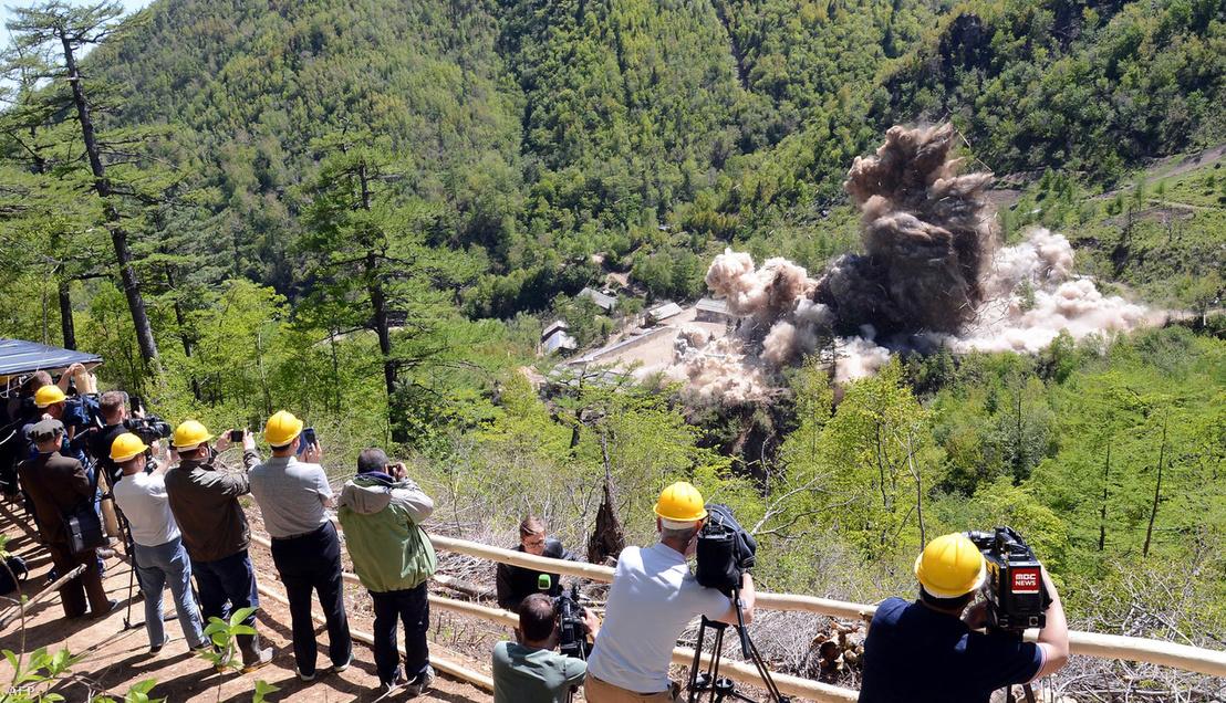 Az Észak-korei Punggje-Ri nukleáris kísérleti telep megsemmisítése 2018 május 25-én